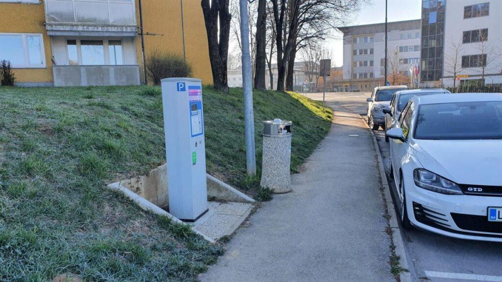 parkiranje-v-grosupljem-ponovno-placljivo