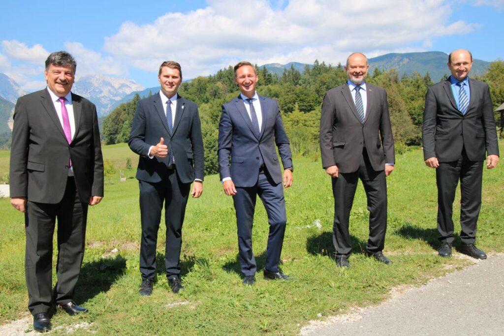 srecanje-zupanov-s-predsednikom-skupine-evropske-ljudske-stranke-v-evropskem-odboru-regij-olgierdom-geblewiczem